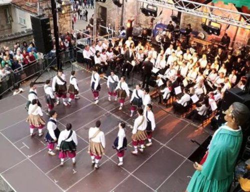 La Musgaña folk taldea, Garikoitz Mendizabal, obra baten estreina eta kolaborazio ugari dakar Gasteizko Txistu kontzertuak